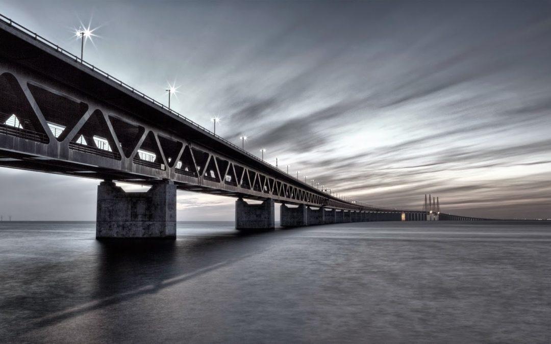 Danska TextMinded expanderar över bron
